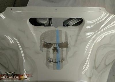 white-flag-skull